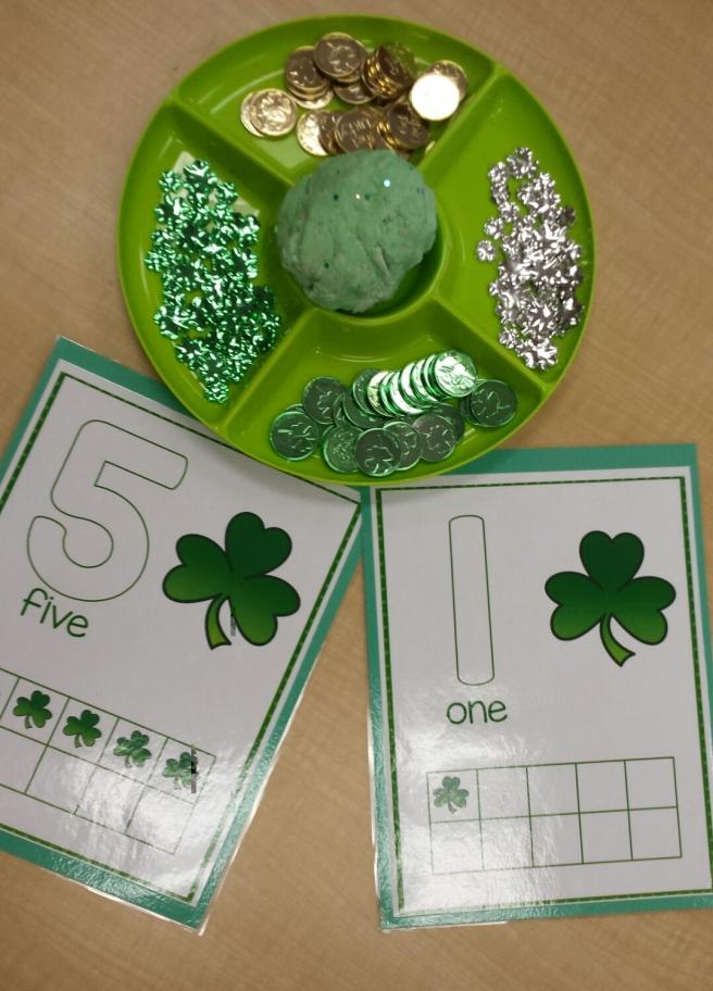 St-Patrick's Day playdough 03