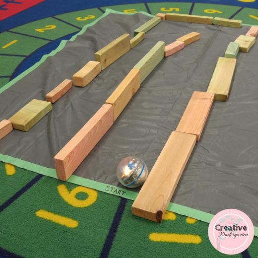 Building mazes for the Sphero in kindergarten