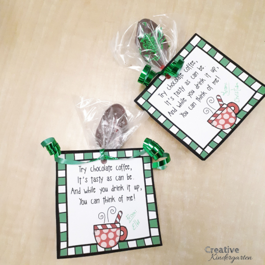*FREEBIE* Chocolate spoon Christmas gift for families. Download the free label to make this cute holiday present for students.
